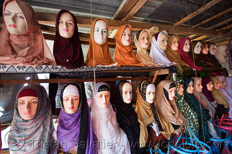 hijab store - store dummies head display (borneo), borneo, heads, hijab, islam, islamic fashion, malaysia, muslim, serikin, shop, store dummies, street market, women's apparel, حجاب