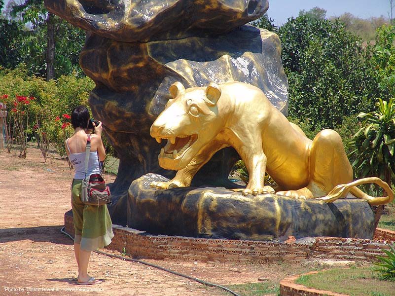 hindu park near phu ruea, west of loei (thailand), golden, golden color, hinduism, ประเทศไทย