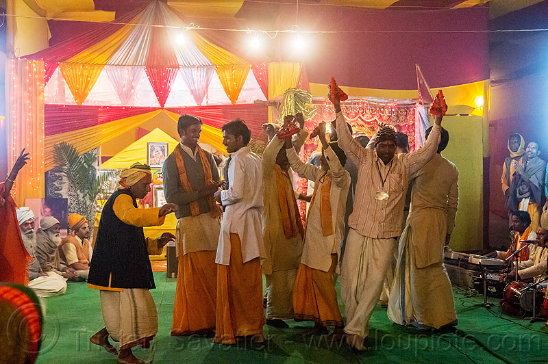 hindu pilgrims dancing in an ashram - kumbh mela 2013 (india), ashram, dancing, group, hindu pilgrimage, hinduism, india, maha kumbh mela, men, music, musicians, night, pilgrims