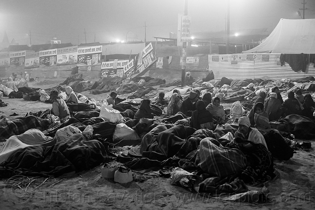 hindu pilgrims sleeping outside at kumbh mela (india), camping, crowd, hindu pilgrimage, hinduism, india, kumbh maha snan, maha kumbh mela, mauni amavasya, night, sleeping, triveni sangam, walking
