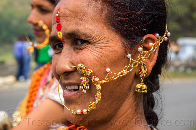 indian woman with large nose ring jewelry, indian wedding, jewelry, nose chain, nose piercing, nose ring, nostril piercing, tola gunth, woman