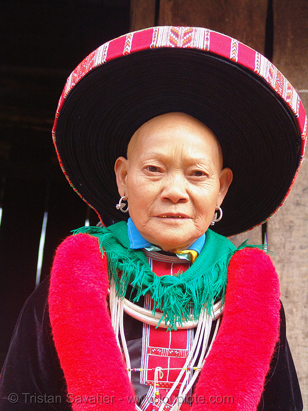 hongtou yao/dao (kiem mien) tribe woman with headwear - vietnam, asian woman, colorful, dzao tribe, hat, headdress, hill tribes, hongtou-yao tribe, indigenous, kiem mien tribe, mature woman, mountain yao tribe, old, red dao, vietnam