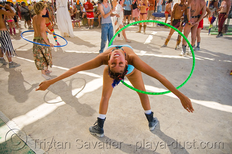 hooper - bouncybouncyweee - burning man 2008, bouncybouncyweee, burning man, center camp, hula hoop, hula hooper, hula hooping, woman