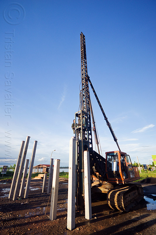 pile driver, at work, beluran, building construction, building foundations, columns, concrete, foundation, foundation works, groundwork, groundwork construction, heavy equipment, hydraulic hammer, machinery, pile driving, piles, precast, precast concrete piles, reinforced concrete, working