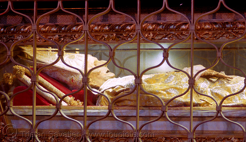 incorrupt body of saint antoninus, archbishop of florence (italy), cadaver, christian relics, corpse, dead, florence italy, holy relics, human remains, man, naples, saint antoninus