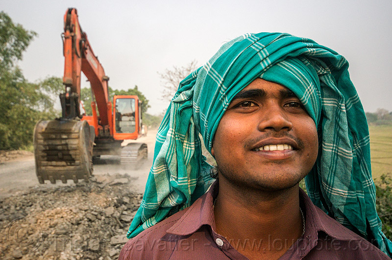 indian excavator operator and his machinery - doosan DX225LC (india), alphalt, asphalt removal, bucket attachment, demolition, doosan excavator, dx225lc, excavator bucket, headdress, india, man, old asphalt, old bitumen, old macadam, operator, pavement, ripping up, road construction, scraping off, turban, west bengal