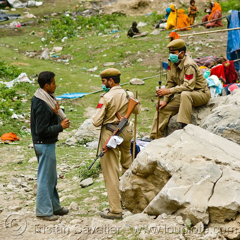 indian soldiers - amarnath yatra (pilgrimage) - kashmir, amarnath yatra, armed forced, assault weapon, hand gun, hiking, hindu pilgrimage, india, indian army, kashmir, men, military, pilgrims, security forces, shot gun, soldiers, trekking