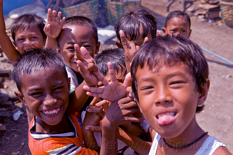 indonesian boys, boys, children, fingers, goofing, hand signs, hands, java, kids, playing, tamansari
