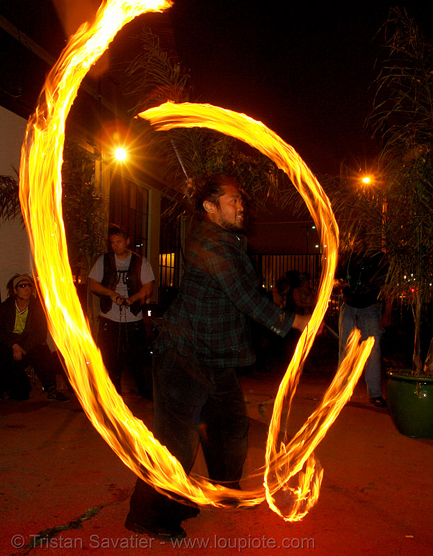 john-paul - LSD fuego, fire, fire dancer, fire dancing, fire performer, fire poi, fire spinning, flames, long exposure, los sueños del fuego, night, people, spinning fire