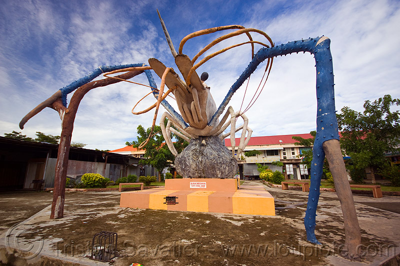 jumbo shrimp monument, art, beluran, claws, giant prawn, giant shrimp, jumbo prawn, landmark, langouste, lobster mutiara, monument, rock lobster, sculpture, spiny lobster