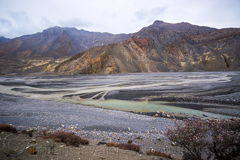 kali gandaki river bed between jomsom and kagbeni (nepal), annapurnas, kali gandaki river, kali gandaki valley, mountains, river bed, water