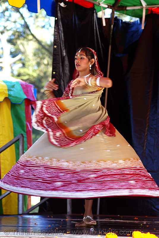 "karina at hare krishna ""chariot festival of india"" (san francisco), costume, dancer, dancing, dress, festival of chariots, girl, hare krishna festival, hindu, hinduism, india dancer, iskcon, people, ratha yatra, teenager, traditional, vaisnava"