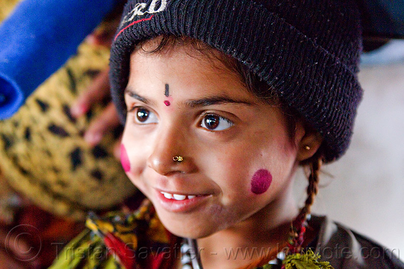 kid - pierced nostril (india), boy, cheeks, child, circus performer, face paint, hat, itinerant circus, kid, knit cap, makeup, nose piercing, nostril piercing, shiny eyes, tilak, tilaka