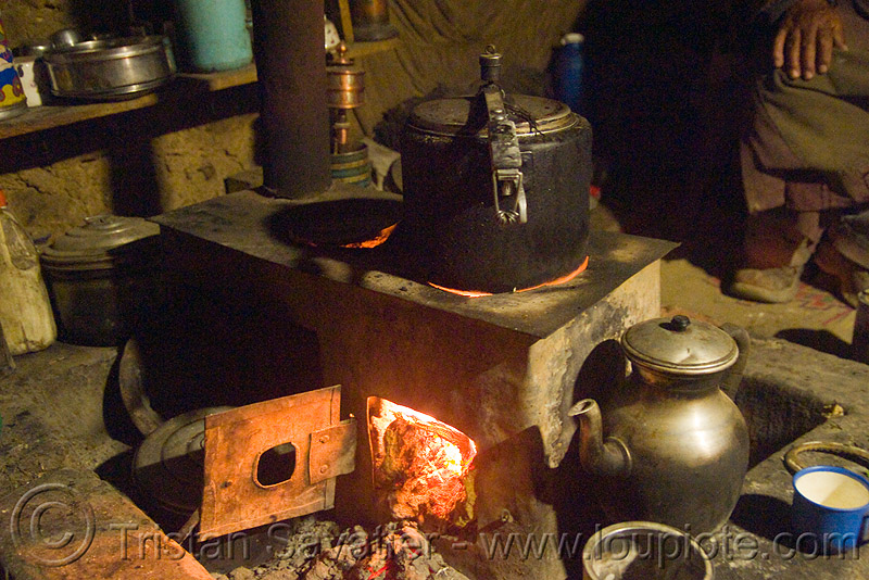 kitchen stove, ladakh, spangmik, wood stove