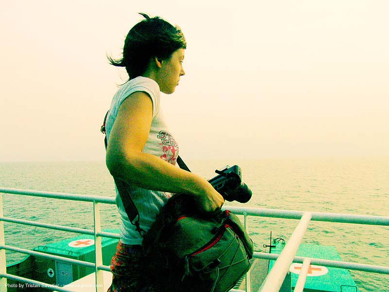 ko-chang-ferry - looking at the sea - anke-rega, anke rega, cross-processed, dxpro, woman, ประเทศไทย