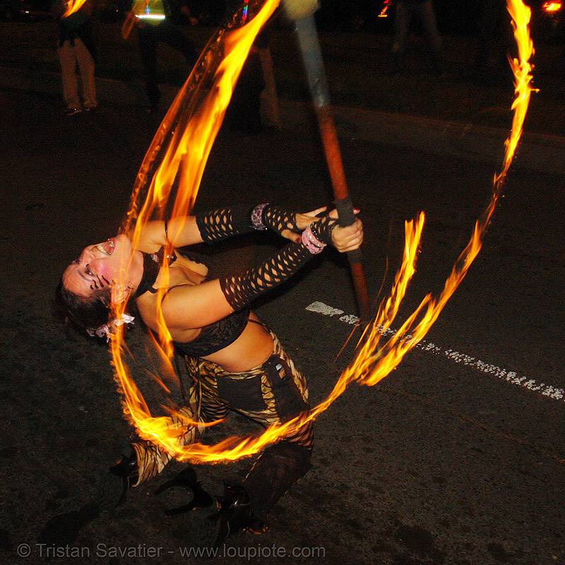 la rosa (jaden), fire, fire dancer, fire dancing, fire performer, fire spinning, fire staff, flames, long exposure, los sueños del fuego, lsd fuego, march of light, night, people, pyronauts, spinning fire