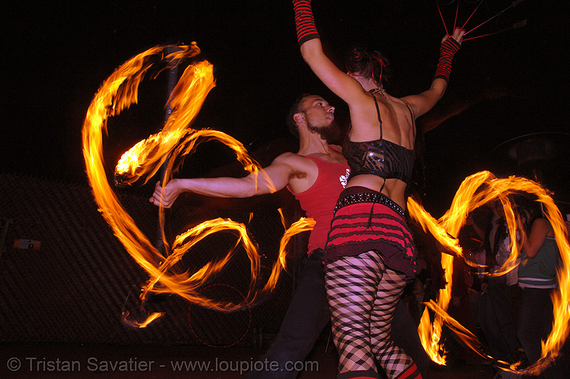 la rosa (jaden) and alex - LSD fuego, fire dancer, fire dancing, fire performer, fire poi, fire spinning, flames, long exposure, los sueños del fuego, lsd fuego, night, spinning fire