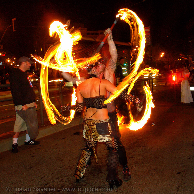 la rosa (jaden) and ro, double staff, fire, fire dancer, fire dancing, fire performer, fire spinning, fire staffs, fire staves, flames, long exposure, los sueños del fuego, lsd fuego, march of light, night, people, pyronauts, spinning fire