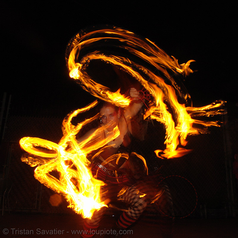 la rosa (jaden) - LSD fuego, fire, fire dancer, fire dancing, fire fans, fire performer, fire poi, fire spinning, flames, long exposure, los sueños del fuego, night, people, spinning fire
