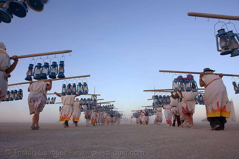 the lamplighters - burning-man 2006, art, burning man, lamplighters, lamps, perspective, petrol lanterns, poles, procession, vanishing point