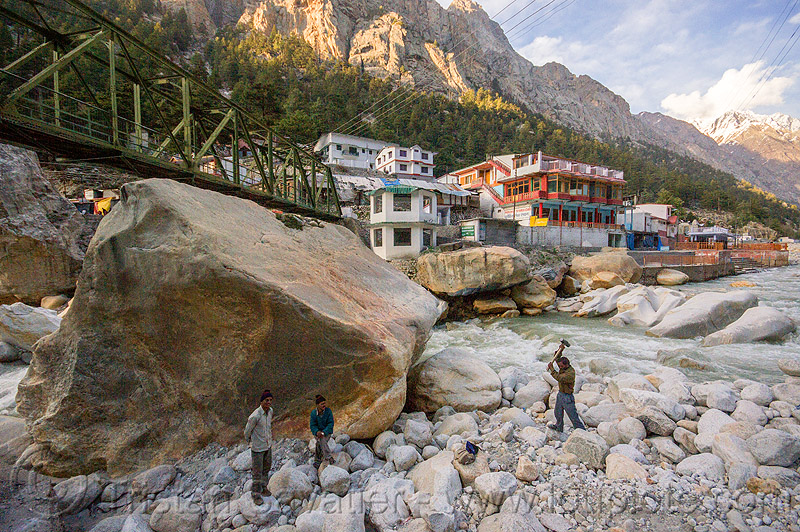 large boulders in bhagirathi river - gangotri (india), bhagirathi river, bhagirathi valley, boulders, gangotri, hammering, men, mountains, river bed, rock, stone, water, working