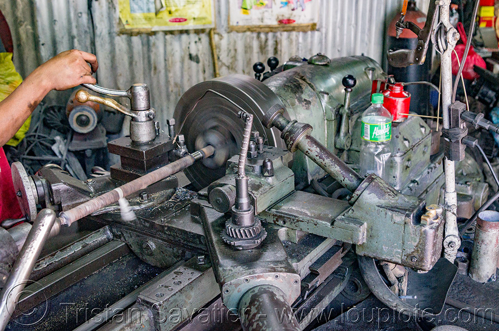 lathe machine tool (philippines), baguio, machine shop, machine tool, mechanical workshop, metal lathe, operator, philippines, worker, working