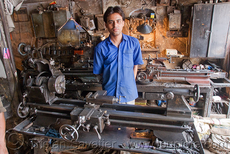 lathes in machine shop - worker, delhi, india, machine shop, machine tools, machines, man, mechanical workshop, metal lathes, mohd. yusuf & sons, operator, worker