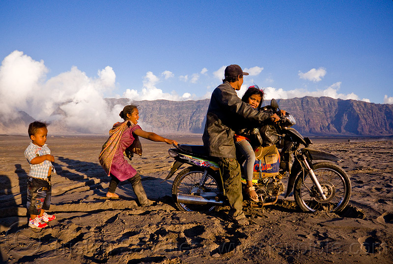 lautan pasir - sea of sand, boy, children, family, indonesia, kids, lautan pasir, man, motorcycle touring, rider, riding, ruts, sand, tengger caldera, underbone motorcycle, volcanic ash, woman