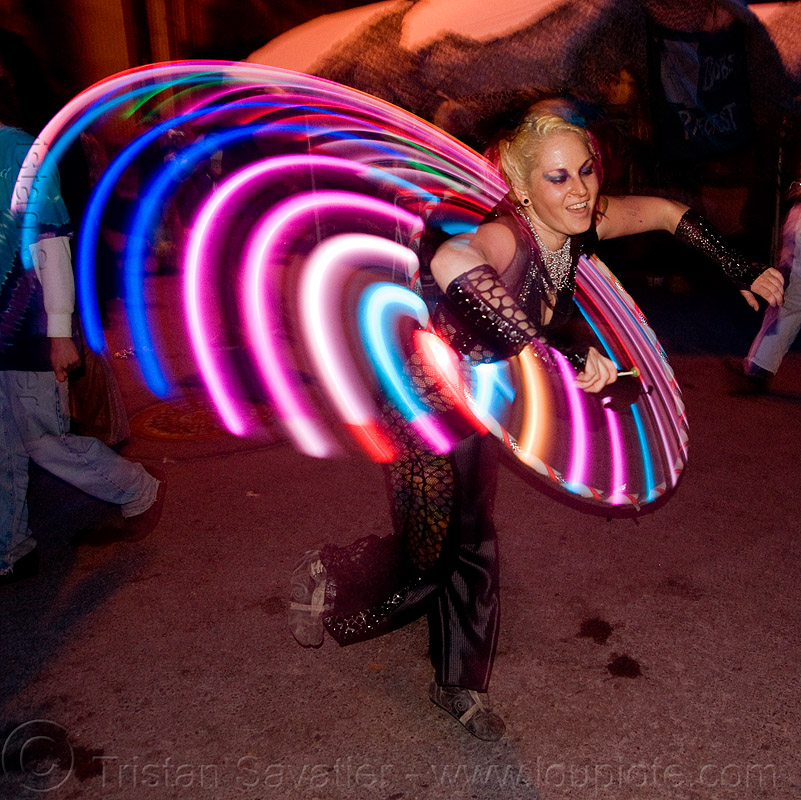 LED hoop - burning man decompression 2009 (san francisco), burning man decompression, hula hoop, hula hooper, hula hooping, led hoop, led hulahoop, light hoop, long exposure, woman