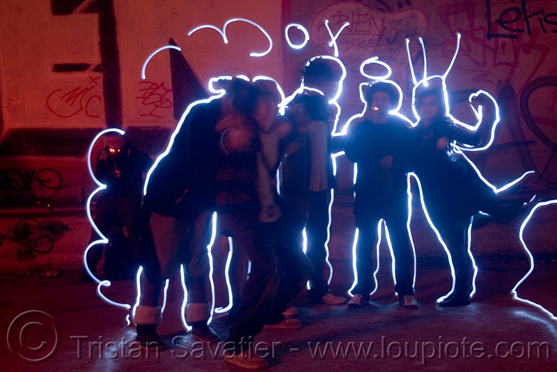 light graffiti - drawing - painting, abandoned, cavage, f7, fc crew, frotte connard, light drawing, light graffiti, light painting, long exposure, nanterre, paris, rave party, saoulaterre, train tunnel