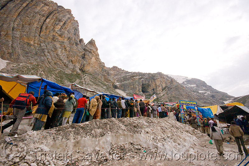 line of pilgrims heading for the cave - amarnath yatra (pilgrimage) - kashmir, crowd, mountains, people, snow, trail, trekking, yatris, अमरनाथ गुफा