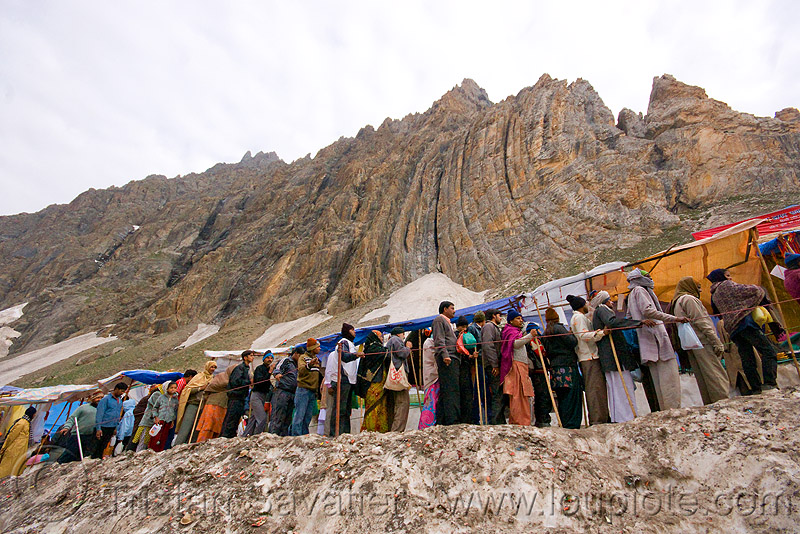 line of pilgrims heading for the cave - amarnath yatra (pilgrimage) - kashmir, amarnath yatra, crowd, kashmir, line, mountains, pilgrimage, pilgrims, snow, trail, trekking, yatris, अमरनाथ गुफा