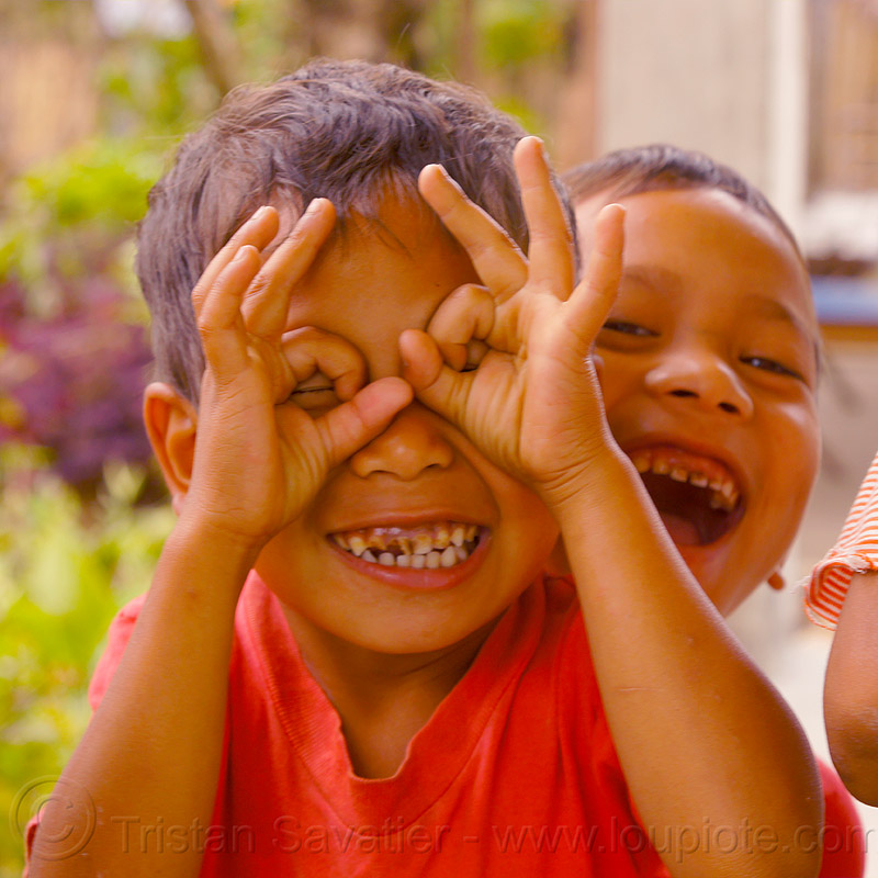 little boys fooling around (india), bad teeth, boys, children, east khasi hills, hands, indigenous, mawlynnong, meghalaya