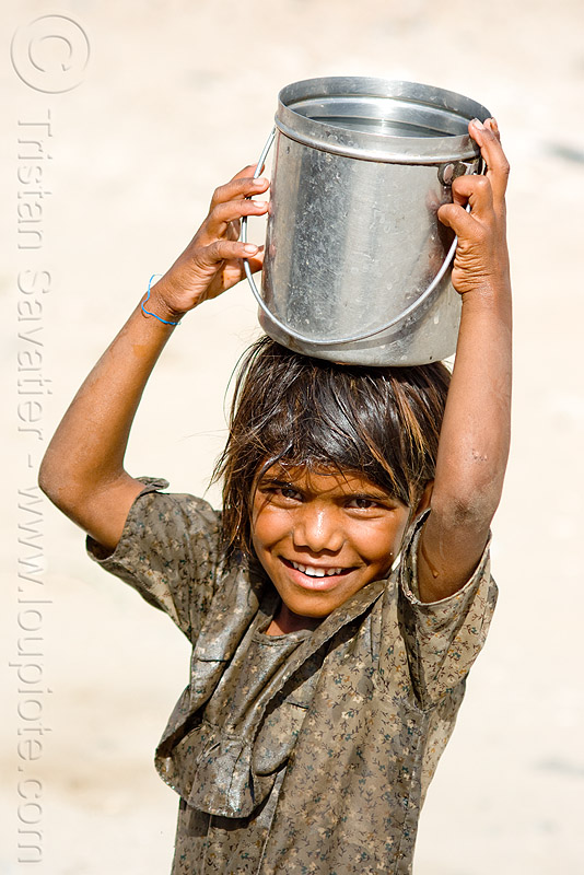 little girl carrying water (india), child, kid, little girl