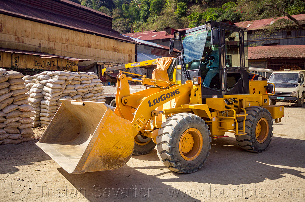 liugong wheel loader (philippines), balatoc mines, front loader, gold mine, liugong, machinery, philippines, wheel loader