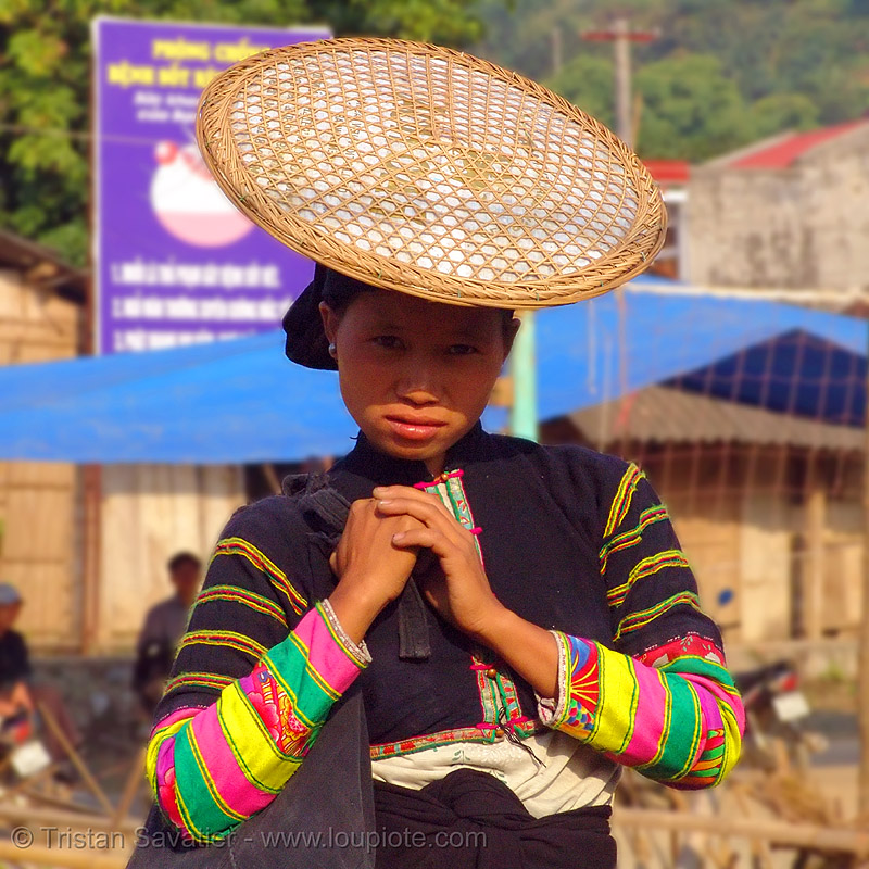 """lo lo den"" tribe woman with traditional flat straw hat - vietnam, black lo lo tribe, bảo lạc, headwear, hill tribes, indigenous, lo lo den tribe, people"