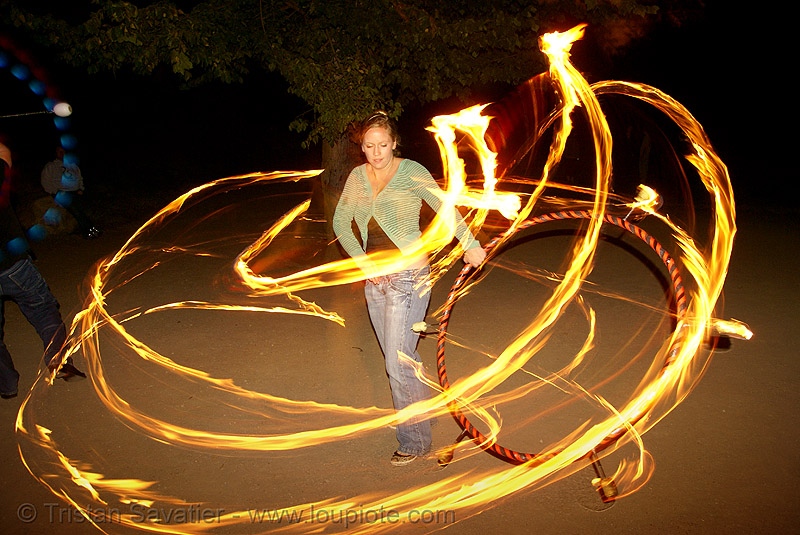 louise spinning file hula hoop (san francisco), fire dancer, fire dancing, fire hula hoop, fire performer, fire spinning, flame, long exposure, night, spinning fire