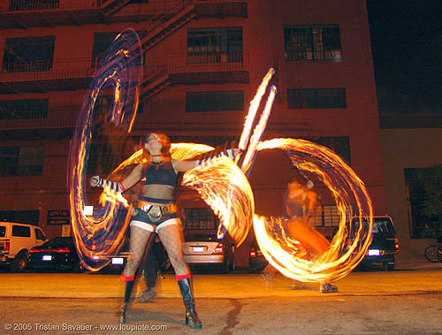 LSD fuego - miss fine, fire dancer, fire dancing, fire performer, fire poi, fire spinning, flames, long exposure, los sueños del fuego, lsd fuego, night, spinning fire