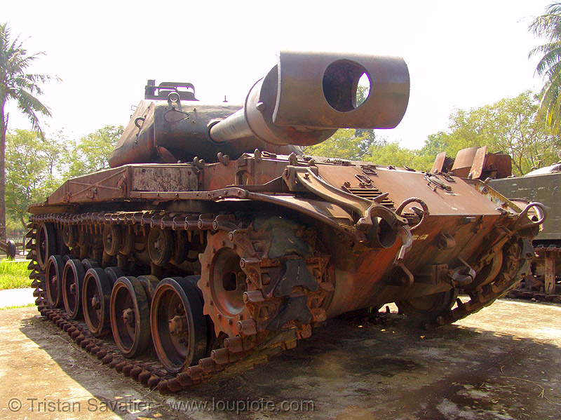 M41 tank - walker bulldog - war - vietnam, army tank, gun, hué, military, rusty, vietnam war, walker bulldog