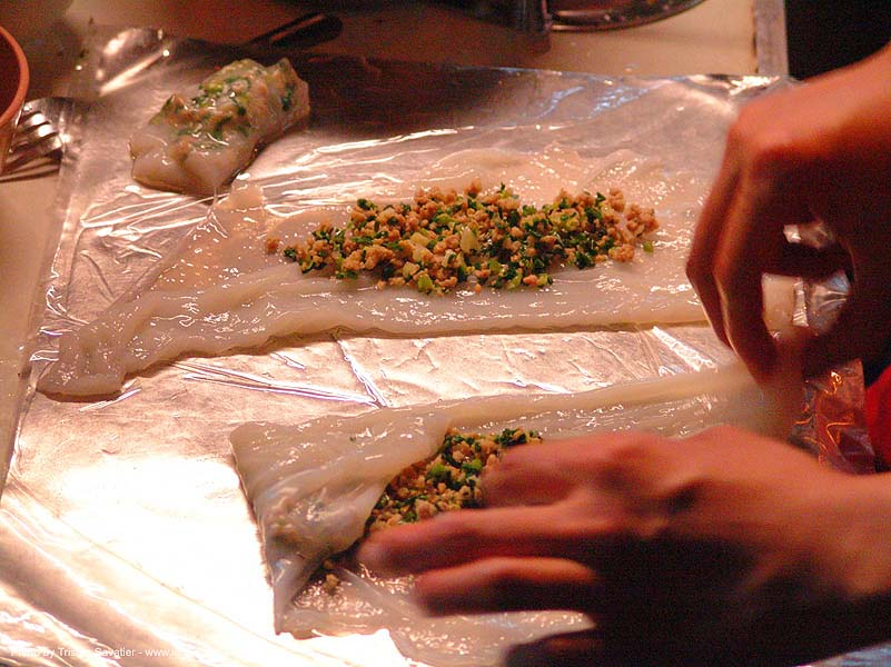 making vietnamese spring rolls, cooking, food, vietnamese rolls, ประเทศไทย