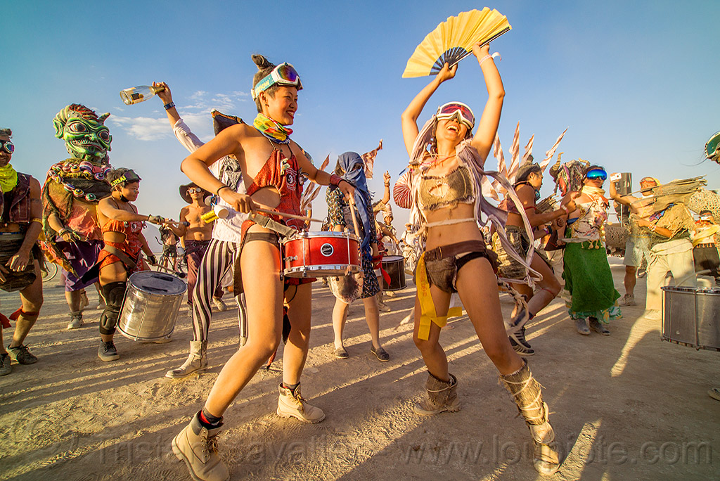 mazu marching band - burning man 2016, burning man, chinese, dancing, drum band, drummer, drums, fan, marching band, mazu camp, performance, procession, women