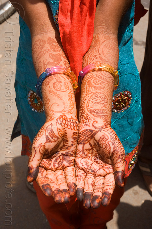 mehndi (henna tattoo) on hands and arms - (india), body art, hand palms, hands, henna tattoo, india, mehndi designs, palm, sailana, temporary tattoo, woman