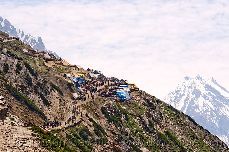 midway camp - amarnath yatra (pilgrimage) - kashmir, amarnath yatra, camp, kashmir, midway, mountain trail, mountains, pilgrimage, pilgrims, trekking, yatris, अमरनाथ गुफा