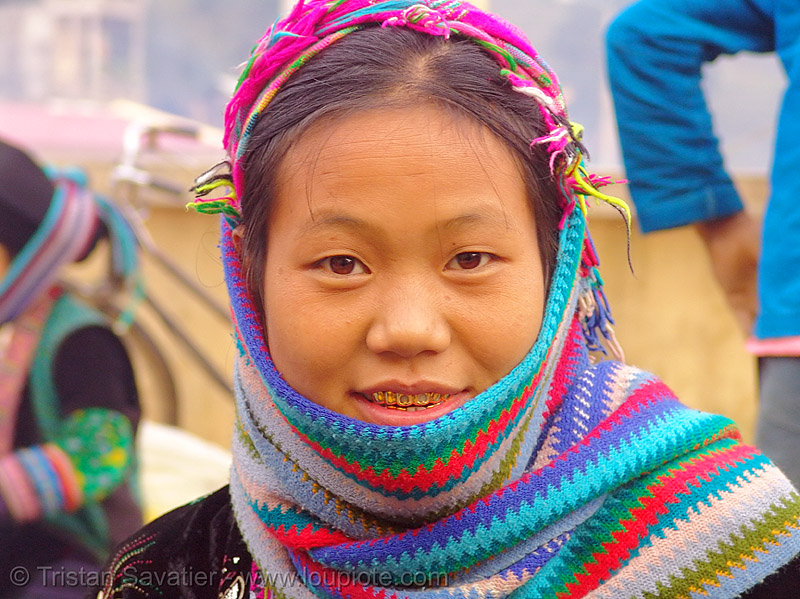 mien yao/dao tribe girl - vietnam, asian woman, dzao tribe, gold teeth, headwear, hill tribes, indigenous, market, mien dao tribe, mien yao tribe, mèo vạc, tribe girl, zao tribe