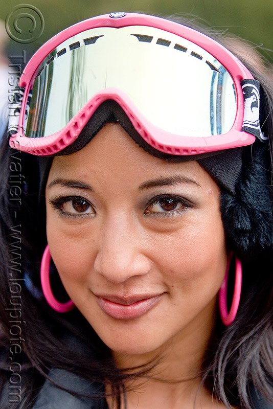mirror ski goggles - pink, bay to breakers, costume, ear rings, footrace, mirror goggles, pink, ski goggles, snow bunnies, street party, woman