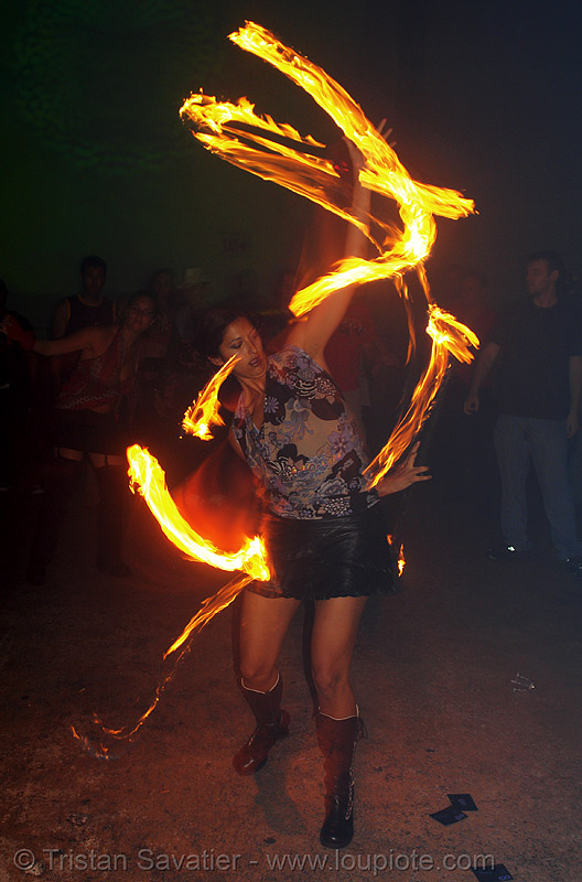 miss fine - LSD fuego, fire dancer, fire dancing, fire performer, fire poi, fire spinning, miss fine, night, spinning fire
