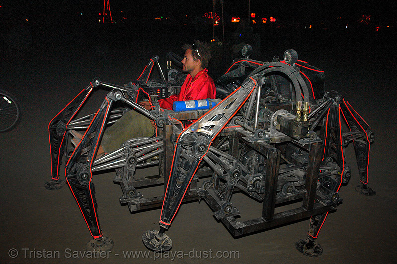 mondo spider - burning-man 2006, arachnide, art car, biomimicry, burning man, el-wire, electroluminescent wire, hydraulic, machinery, mecanical, mechanical spider, mondo spider, motorized spider, night, walker, walking machine