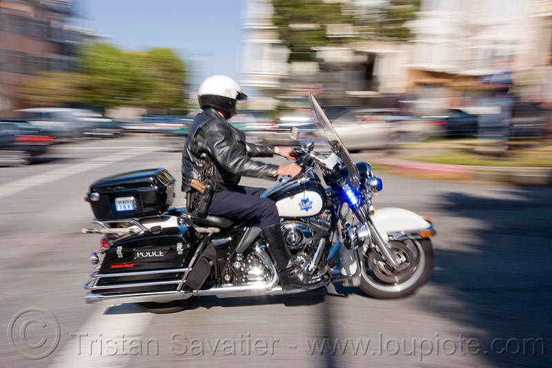 motorcycle police, fast, harley davidson, law enforcement, motor cop, motor officer, motorbike, motorcycle unit, moving, moving fast, sfpd, speed, street