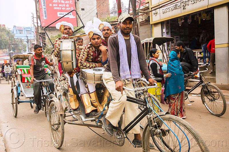 musicians on cycle rickshaw, on their way to a wedding (india), cycle rickshaw, drum, drummer, headdress, india, men, moving, music band, musicians, turbans, uniform, varanasi, wedding