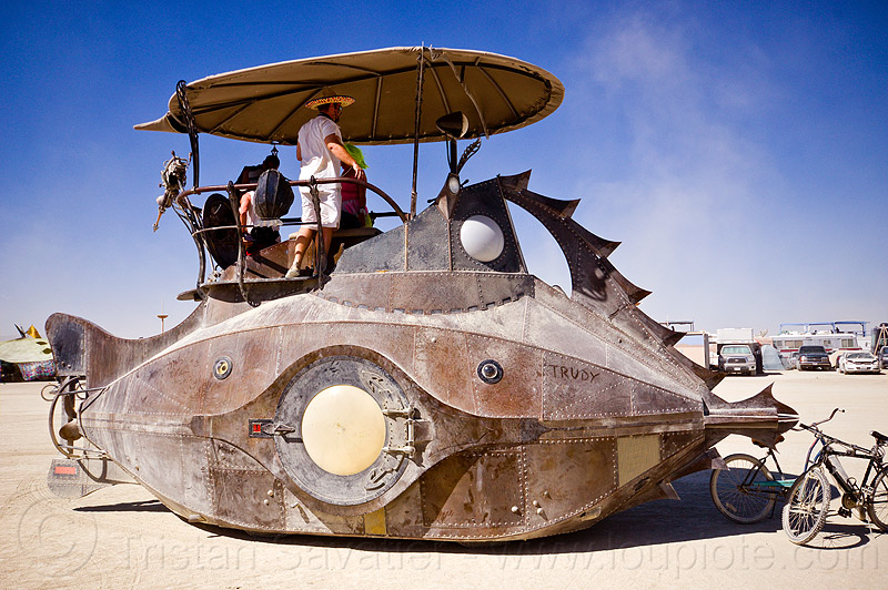 nautilus submarine art car - burning man 2012, art ship, boat, nautilus submarine art car